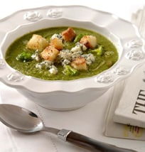 Suppe med broccoli og stilton-ost
